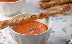 מרק ירקות צלויים (צילום: דניאל לילה, מגזין טעימות)