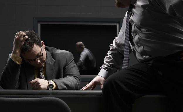 שני אנשים בחדר חקירות (אילוסטרציה: Thinkstock)