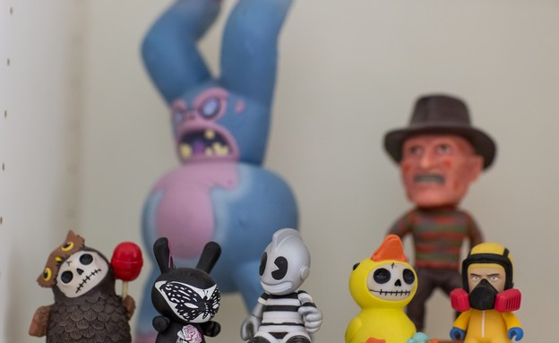 עדי אזולאי, צעצועים (צילום: מיה אפיס)