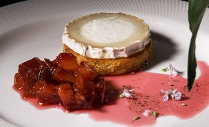בריוש וגבינה- בריוש מוצנם עם גבינת בושה חמימה (צילום: שרית גופן)