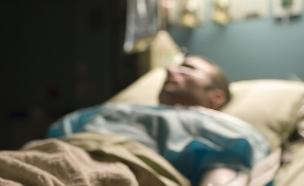 חולה בבית חולים, אילוסטרציה (צילום: Thomas Northcut, Thinkstock)