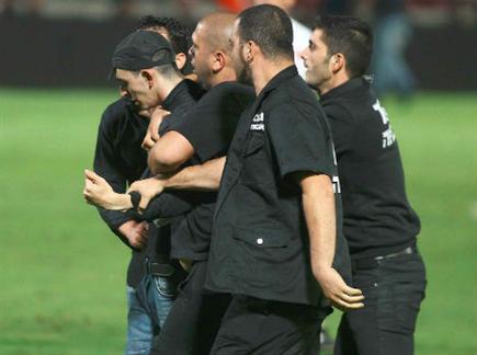 יותר מדי משטרה ואלימות (אלן שיבר) (צילום: ספורט 5)