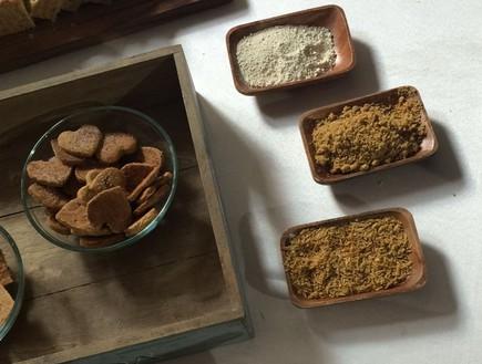 קמח זבובים (צילום: ריטה גולדשטיין, אוכל טוב)