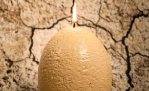 נר ביצת הפתעה (צילום: Firebox )