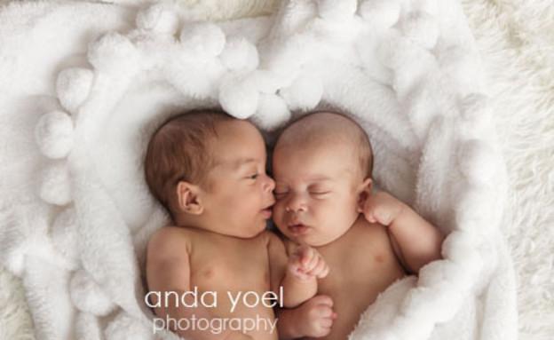 צילומי ניו בורן - תאומים מדברים (צילום: אנדה יואל)