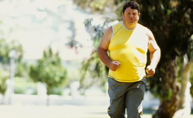 איש שמן רץ (צילום: אימג'בנק / Thinkstock)