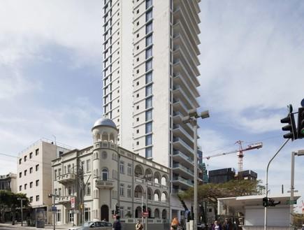 המגדל בשדרות רוטשילד (צילום: אביעד בר נס, TheMarker)