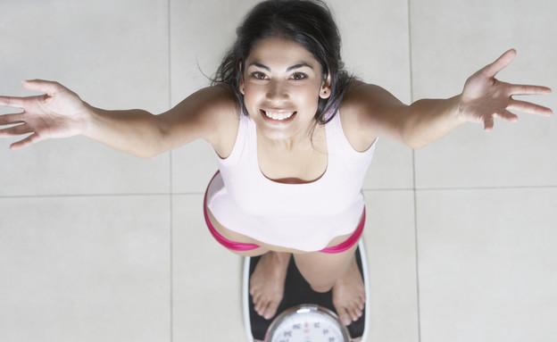 אישה על משקל, דיאטה (צילום: אימג'בנק / Thinkstock)