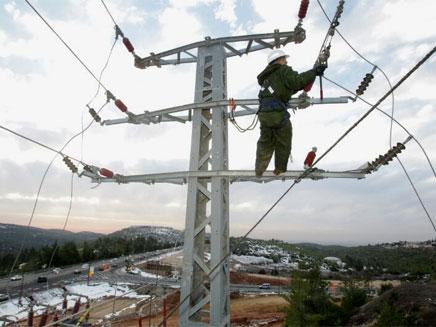 עובד חברת חשמל