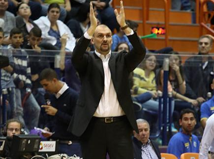ז'אן טבק נבחר למאמן החודש של מנהלת הליגה (יוסי שקל)