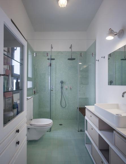 סטודיו 37, ספספל זוגי במקלחת, ארון תרופות מגלוריה מונדי