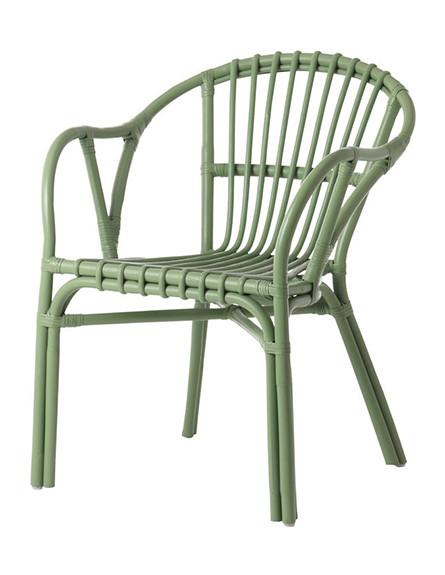 כסא רטאן ירוק מתאים גם לחוץ (צילום: IKEA)