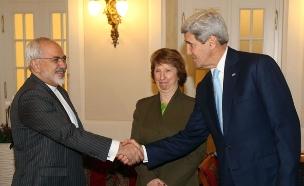 ג'ון קרי ומוחמד זריף, שיחות על הגרעין האיראני (צילום: AP)