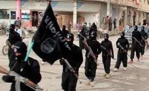 """דאע""""ש שולט במזרח סוריה ודיר א-זור (צילום: AP)"""