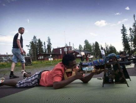 קורס צלפים לפליטים בשבדיה