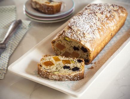 עוגת משמשים, חמוציות ופיסטוקים (צילום: אפיק גבאי, אוכל טוב)