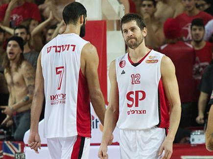 עוד הפסד ביתי להפועל תל אביב (אלן שיבר) (צילום: ספורט 5)