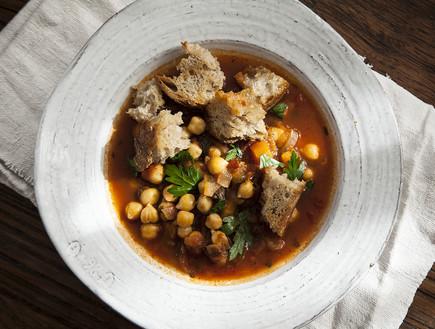 מרק חומוס וירקות חורפי (צילום: אפיק גבאי, אוכל טוב)