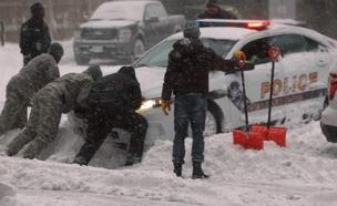 """עשרות סנטימטרים של שלג בארה""""ב (צילום: sky news)"""