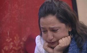 פלורי בוכה בנסט (צילום: מתוך האח הגדול עונה 7, שידורי קשת)