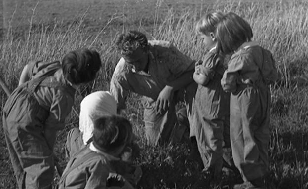 הגנן פרץ העביר לילדים את האהבה לעצים (צילום: נפתלי אופנהים, באדיבות משפחת גורביץ בגינוסר,)