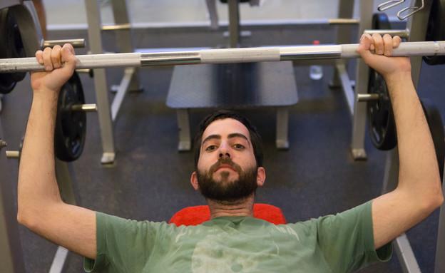 ארי מתאמן (צילום: עודד קרני)