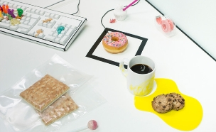 עכבר דונאט וכתם קפה עוגיות (צילום: Reni Wu)