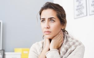 כאב גרון (צילום: Nikodash, Shutterstock)