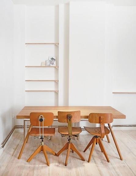 דירה לשימור בברלין, ג, שולחן (צילום: Diane Adam - dianaadam.net)