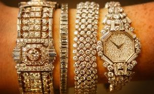 שעוני יהלומים במכירה פומבית. לונדון, 2008 (צילום: Peter Macdiarmid, GettyImages IL)