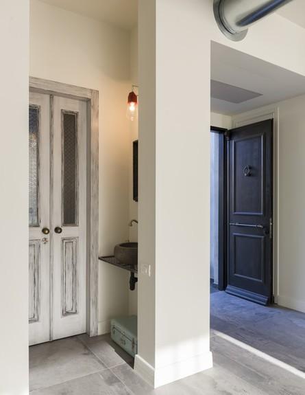 דלת (צילום: שי אפשטיין)