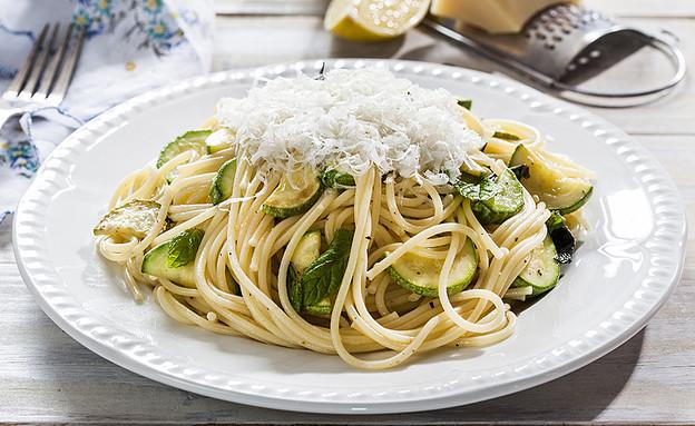 ספגטי ברוטב קישואים ולימון (צילום: אסף אמברם, אוכל טוב)
