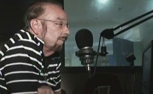חילופי מהלומות בין מגישי הרדיו (צילום: חדשות 2)