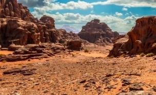 אדמה ירדנית שנראית כמו מאדים (צילום: petrafromisrael.com)