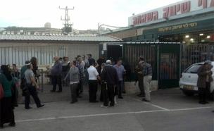 זירת הפיגוע בשער בנימין (צילום: יעקב אושר TPS)