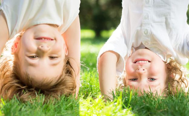 ילדות משחקות  (צילום: Sunny studio, Shutterstock)
