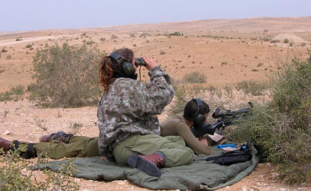 חייל וחיילת (צילום: רועי שרון לפלאש 90)