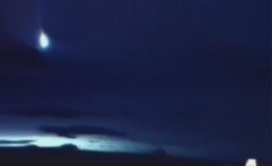 שמי סקוטלנד - אמש (צילום: sky news)