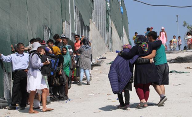 פליטים רבים תקועים בגבול (צילום: שי זבדי, ajc)