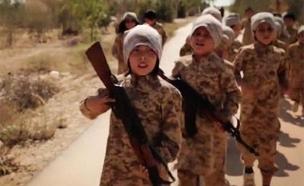 כך מאמן הארגון את הדור הבא של הלוחמים (צילום: אלג'זירה)