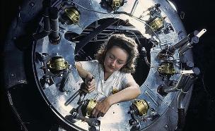 נשים במדע (צילום: אלפרד ט. פלמר)
