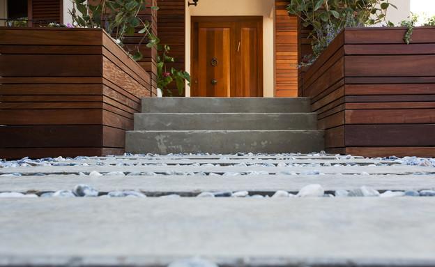בית בנס ציונה, מדרגות