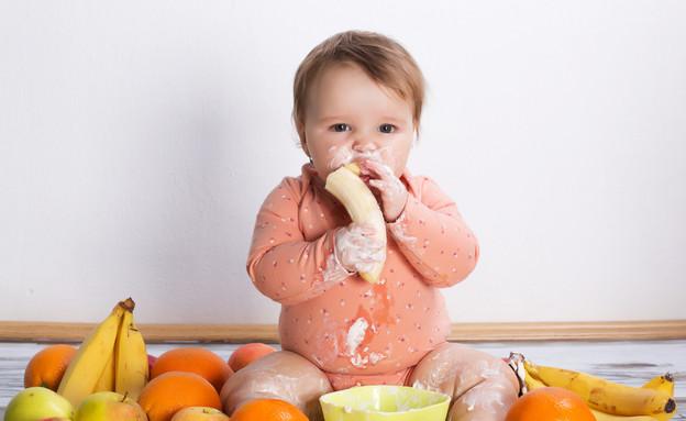תינוק אוכל (צילום: Shutterstock)