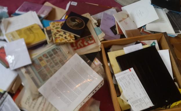 קון מארי - קטגוריה ניירות (צילום: קליה מור)