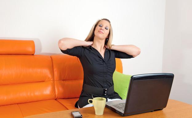 כאב צוואר (צילום: Shutterstock/)