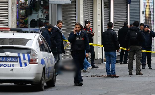 זירת הפיגוע באיסטנבול (צילום: רויטרס)