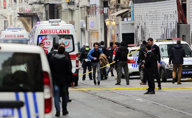 זירת הפיגוע באיסטנבול, אתמול (צילום: רויטרס)