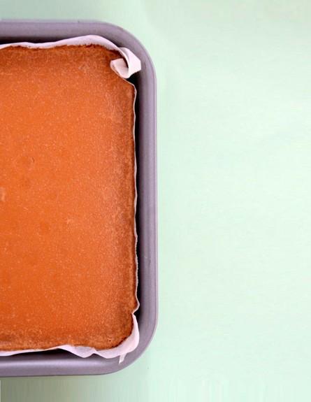 עוגת לימון וקרמל טבעונית