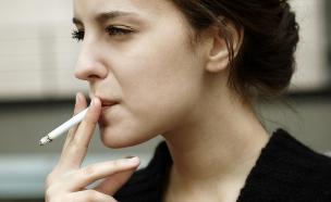מעשנת (צילום: kuzmafoto, Shutterstock)