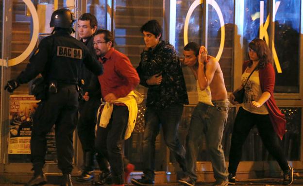 פריז עוד מתאוששת. זירת הפיגוע בנובמבר (צילום: רויטרס)